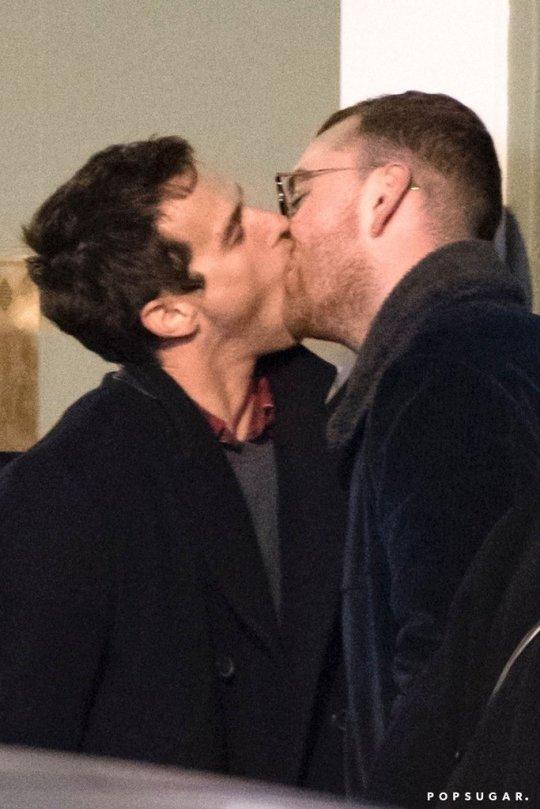 Sam-Smith-Kissing-His-Boyfriend-Brandon-Flynn-London.jpg